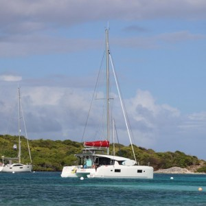 croisiere-privative-grenadines-catamaran-L420-01